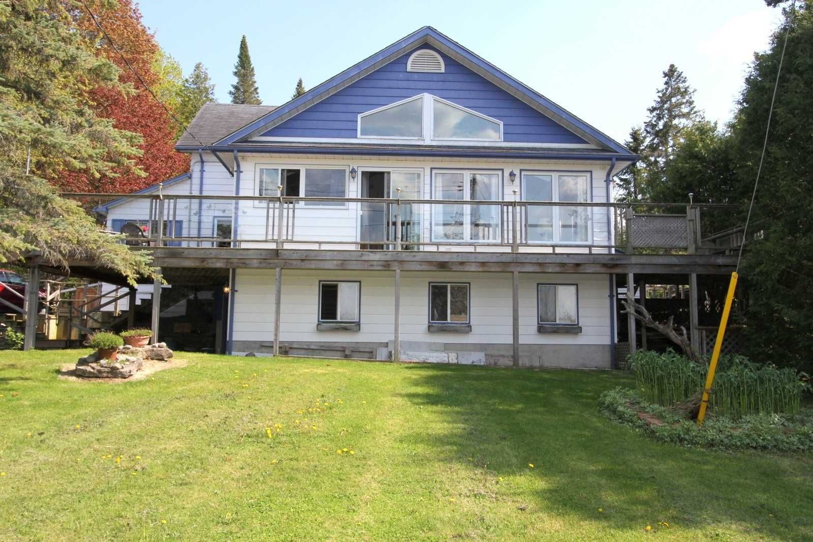 Main Photo: 15 Augusta Street in Kawartha Lakes: Dunsford House (1 1/2 Storey) for sale : MLS®# X5244386