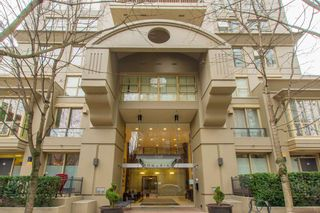 """Photo 1: 2603 969 RICHARDS Street in Vancouver: Downtown VW Condo for sale in """"Mondrian 2"""" (Vancouver West)  : MLS®# R2135133"""