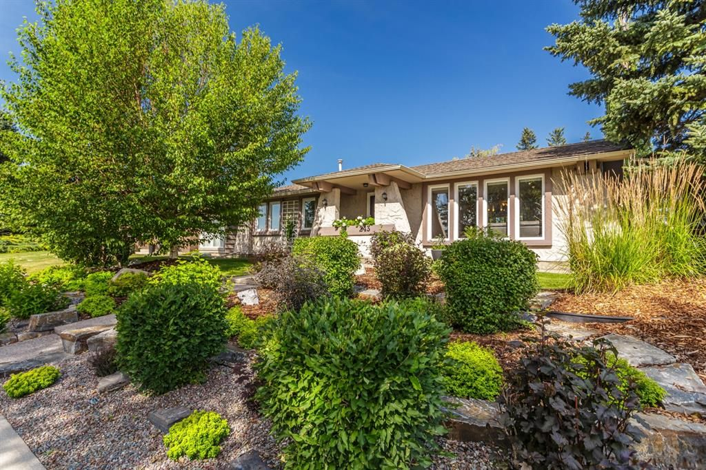 Main Photo: 243 Parkwood Close SE in Calgary: Parkland Detached for sale : MLS®# A1134335