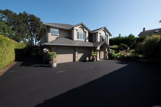 Photo 38: 4005 Santa Rosa Pl in Saanich: SW Strawberry Vale House for sale (Saanich West)  : MLS®# 884709