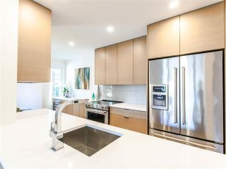 Photo 3: 204 969 JERVIS STREET in : West End VW Condo for sale (Vancouver West)  : MLS®# R2102514
