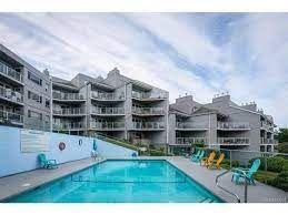 Photo 1: 504 2560 Departure Bay Road in Nanaimo: Departure Bay Condo for sale : MLS®# 879231