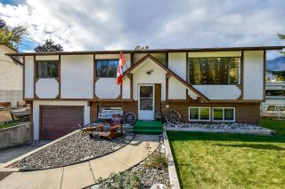 Photo 2: 6081 FLORA Street, in Oliver: House for sale : MLS®# 191578