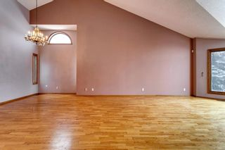 Photo 9: 503 Woodbriar Place SW in Calgary: Woodbine Detached for sale : MLS®# A1062394