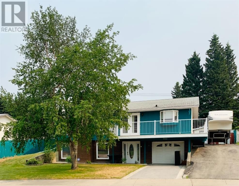 Main Photo: 142 Lodgepole Drive in Hinton: House for sale : MLS®# A1129926