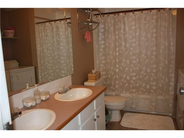Photo 12: Photos: 3207 80 GLAMIS Drive SW in CALGARY: Glamorgan Condo for sale (Calgary)  : MLS®# C3568501
