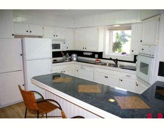 Photo 2: 45882 LAKE Drive in Sardis: Sardis East Vedder Rd House for sale : MLS®# H2903216