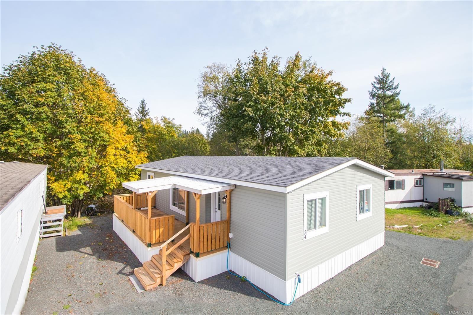 Main Photo: 24 2520 Quinsam Rd in Campbell River: CR Campbell River North Manufactured Home for sale : MLS®# 887662