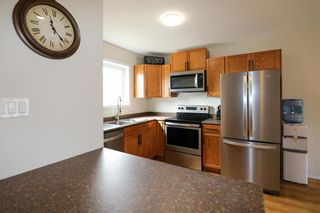 Photo 4: 12 Ashford Lane in Steinbach: R16 Residential for sale : MLS®# 202108408