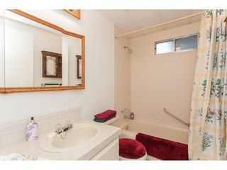 """Photo 18: 106 2303 CRANLEY Drive in Surrey: King George Corridor Manufactured Home for sale in """"Sunnyside"""" (South Surrey White Rock)  : MLS®# R2150906"""