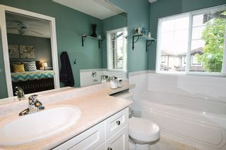 """Photo 10: 24055 102A Avenue in Maple Ridge: Albion House for sale in """"HOMESTEAD"""" : MLS®# R2102598"""