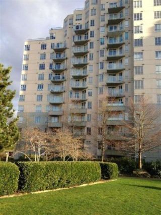 """Photo 2: 706 3489 ASCOT Place in Vancouver: Collingwood VE Condo for sale in """"Regent Court"""" (Vancouver East)  : MLS®# R2624007"""