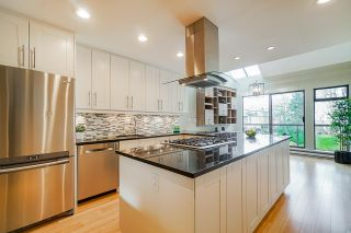 Photo 3: 699 MOBERLY ROAD in Vancouver: False Creek Townhouse for sale (Vancouver West)  : MLS®# R2529613