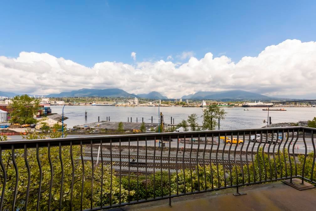 Main Photo: 2855 WALL Street in Vancouver: Hastings House for sale (Vancouver East)  : MLS®# R2572971