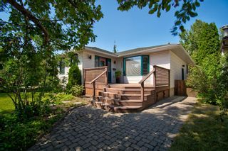 Photo 3: 2404 9 Avenue NW in Calgary: West Hillhurst Detached for sale : MLS®# A1134277