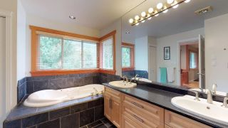 Photo 13: 1631 MACDONALD Place in Squamish: Brackendale House for sale : MLS®# R2356396