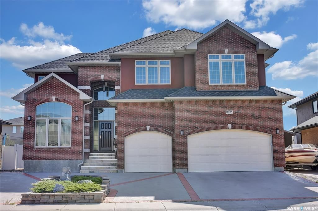 Main Photo: 8021 Wascana Gardens Crescent in Regina: Wascana View Residential for sale : MLS®# SK827877