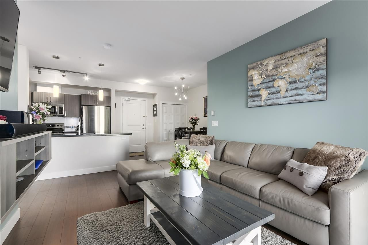 """Photo 5: Photos: 308 20219 54A Avenue in Langley: Langley City Condo for sale in """"SUEDE"""" : MLS®# R2333974"""
