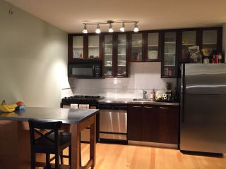 """Photo 1: 305 969 RICHARDS Street in Vancouver: Downtown VW Condo for sale in """"Mondrian 11"""" (Vancouver West)  : MLS®# R2028969"""