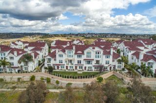 Photo 2: OCEANSIDE Townhouse for sale : 3 bedrooms : 825 Harbor Cliff Way #269
