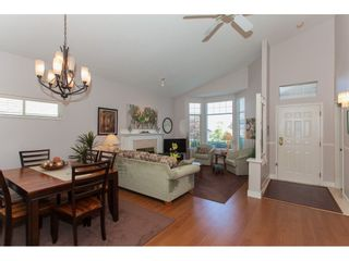 """Photo 4: 117 9012 WALNUT GROVE Drive in Langley: Walnut Grove Townhouse for sale in """"Queen Anne Green"""" : MLS®# R2184552"""