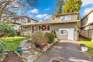 Photo 1: 1739 156A Street in Surrey: Sunnyside Park Surrey House for sale (South Surrey White Rock)  : MLS®# R2539466