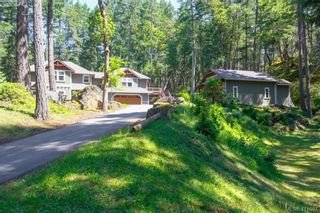 Photo 2: 672 Stewart Mountain Rd in VICTORIA: Hi Eastern Highlands House for sale (Highlands)  : MLS®# 816219