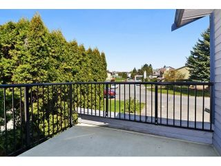 Photo 5: 2322 WAKEFIELD DR in Langley: Willoughby Heights House for sale : MLS®# F1438571