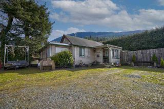 Photo 1: 42730 YARROW CENTRAL Road: Yarrow House for sale : MLS®# R2543442
