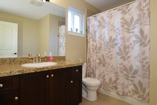 """Photo 13: 7880 211B Street in Langley: Willoughby Heights House for sale in """"YORKSON"""" : MLS®# F1421828"""
