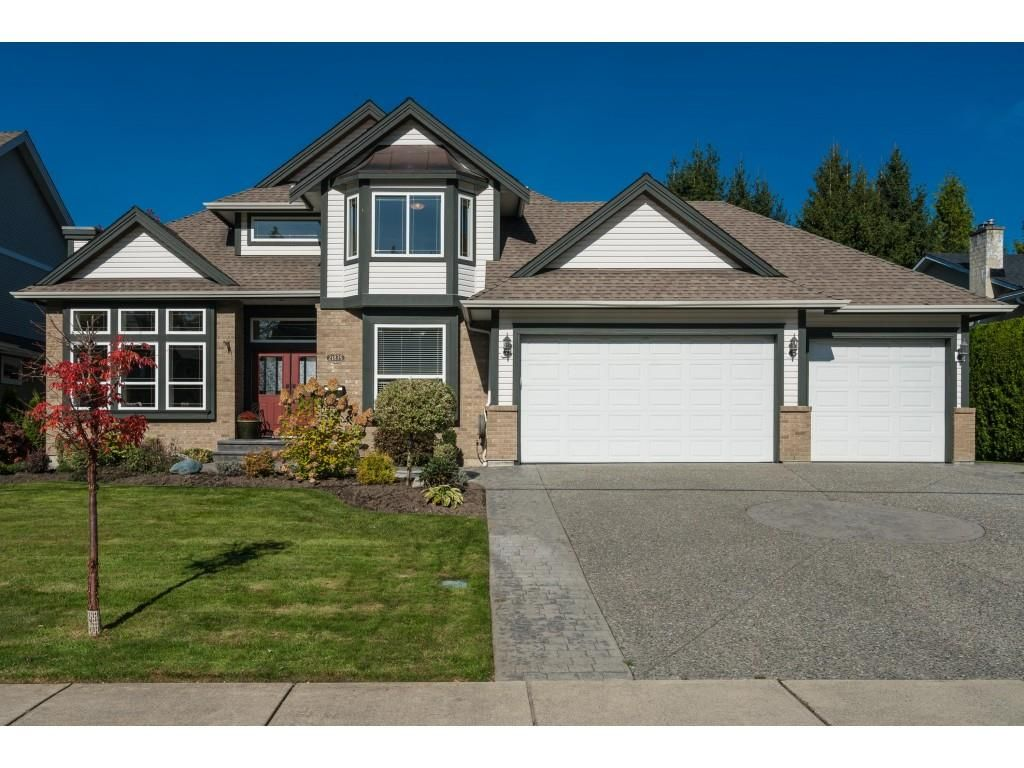 Main Photo: 21875 44 Avenue in Langley: Murrayville House for sale : MLS®# R2413242