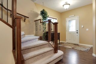 Photo 11: 2 Aspen Hills Manor SW in Calgary: House for sale : MLS®# C3622296