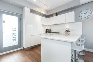 """Photo 8: 712 108 E 1ST Avenue in Vancouver: Mount Pleasant VE Townhouse for sale in """"Meccanica"""" (Vancouver East)  : MLS®# R2126481"""