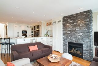 Photo 19:  in White Rock: Home for sale : MLS®# R2166390