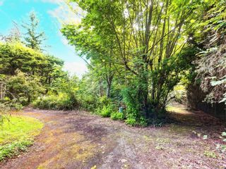 Photo 5: 8369 Lochside Dr in Central Saanich: CS Saanichton House for sale : MLS®# 877182