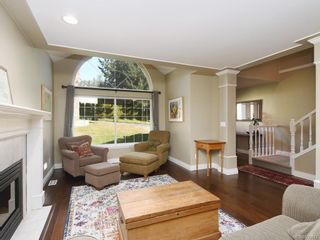 Photo 2: 6707 Amwell Dr in Central Saanich: CS Brentwood Bay House for sale : MLS®# 839672