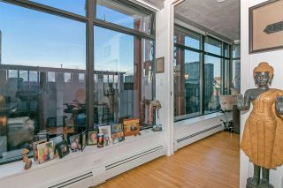 """Photo 17: 803 128 W CORDOVA Street in Vancouver: Downtown VW Condo for sale in """"WOODWARDS W43"""" (Vancouver West)  : MLS®# R2241482"""