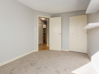 Photo 13: 25 Silverdale PL NW in Calgary: Silver Springs House for sale : MLS®# C4290404