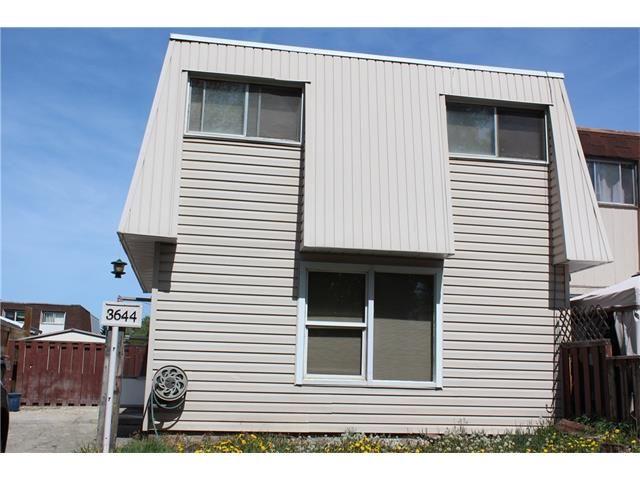 Main Photo: 3644 28 Avenue SE in Calgary: Dover House for sale : MLS®# C4063235