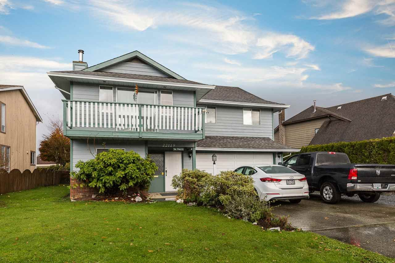 Main Photo: 22119 ISAAC Crescent in Maple Ridge: West Central House for sale : MLS®# R2222513