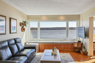Photo 1: 2 553 S Island Hwy in Campbell River: CR Campbell River Central Condo for sale : MLS®# 869697