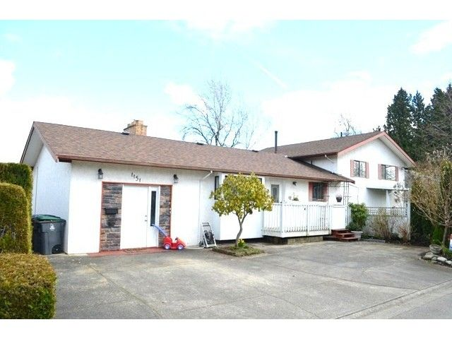 Main Photo: 1151 KING GEORGE Boulevard in Surrey: King George Corridor House for sale (South Surrey White Rock)  : MLS®# F1433076