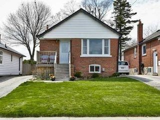 Photo 1: 90 Aylesworth Avenue in Toronto: Birchcliffe-Cliffside House (Bungalow) for sale (Toronto E06)  : MLS®# E3476957
