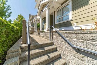 Photo 2: 2 20159 68 Avenue in Langley: Willoughby Heights Townhouse for sale : MLS®# R2605698