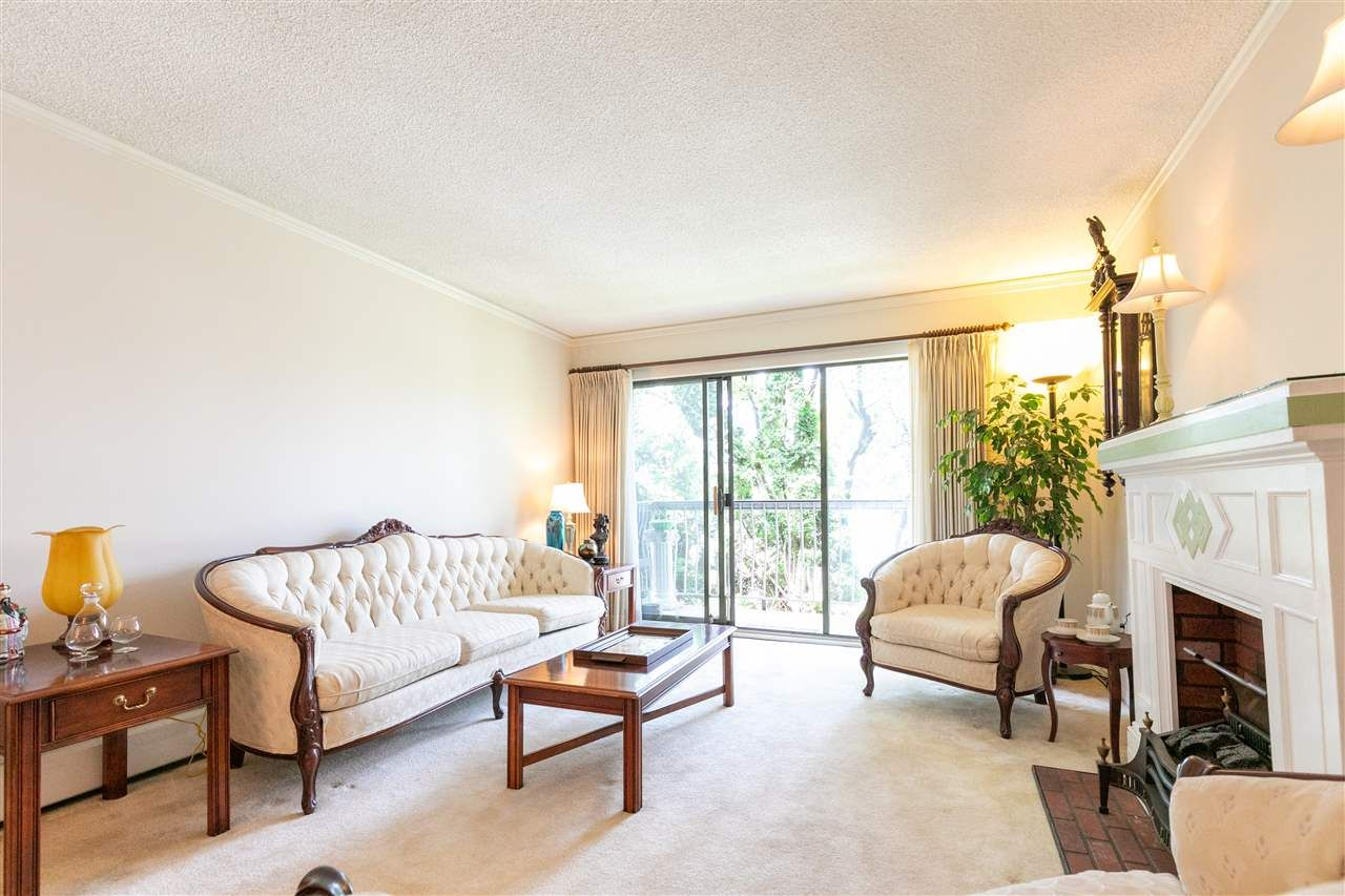 Main Photo: 215 7428 19TH AVENUE in Burnaby: Edmonds BE Condo for sale (Burnaby East)  : MLS®# R2399344