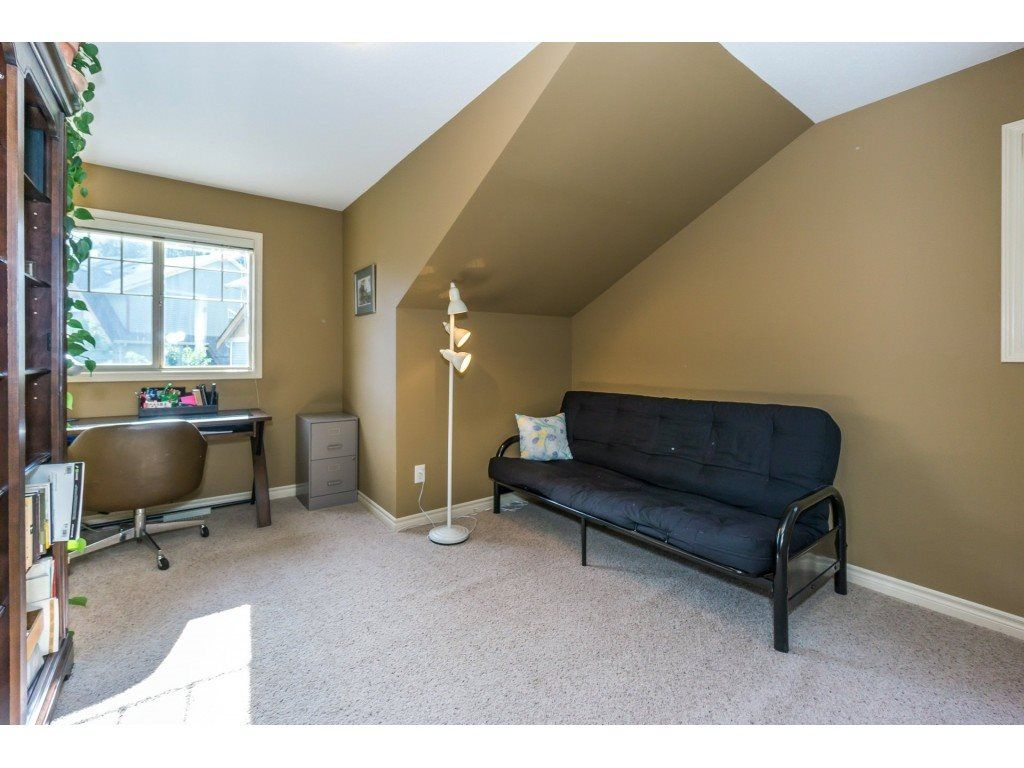 """Photo 17: Photos: 32 46840 RUSSELL Road in Sardis: Promontory Townhouse for sale in """"Timeber Ridge"""" : MLS®# R2359001"""