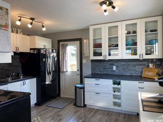 Photo 3: 1003 Centre Street in Nipawin: Residential for sale : MLS®# SK847000