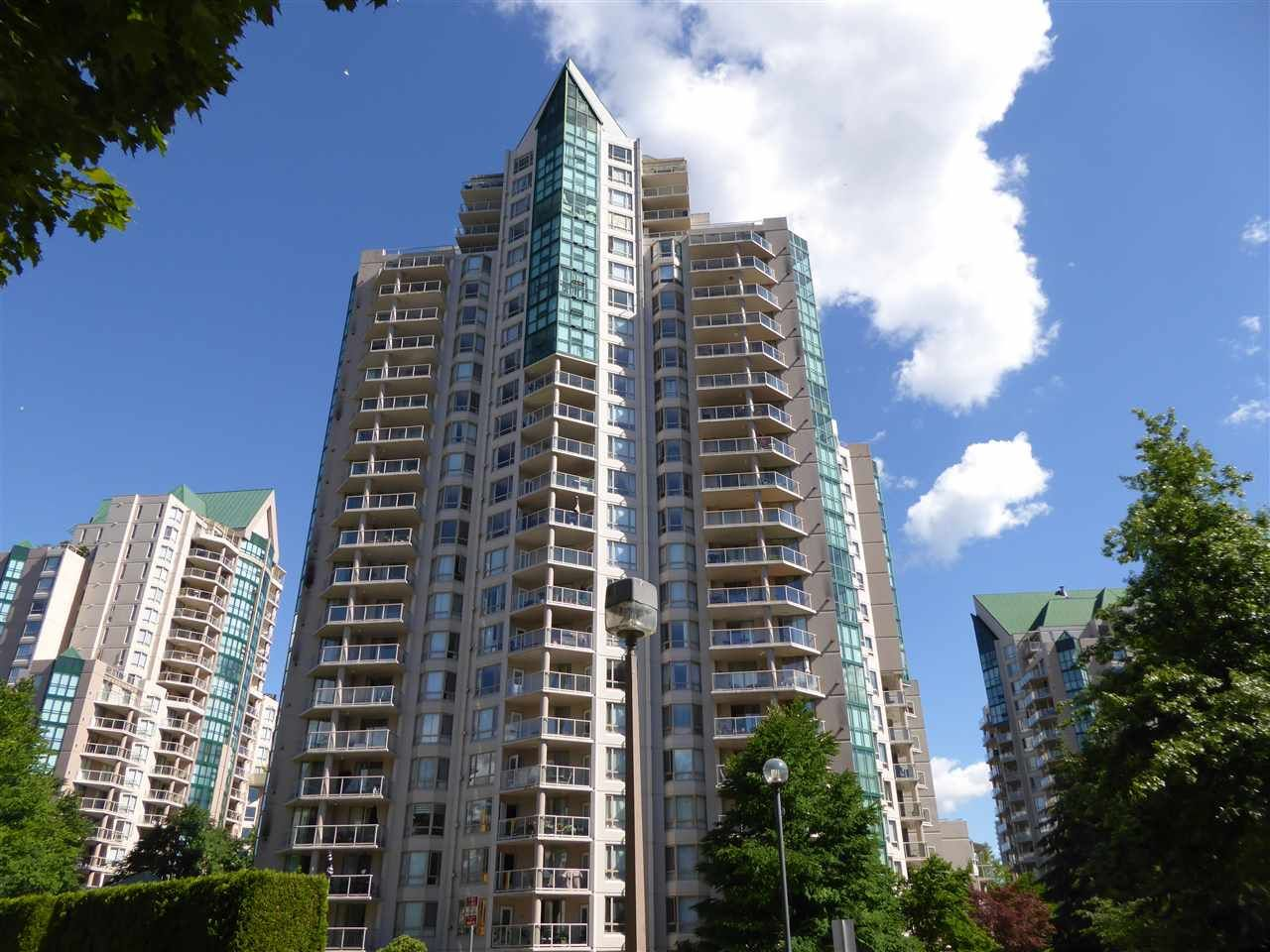 """Main Photo: 1703 1199 EASTWOOD Street in Coquitlam: North Coquitlam Condo for sale in """"SELKIRK"""" : MLS®# R2283280"""