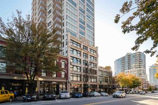 """Photo 16: 2002 668 COLUMBIA Street in New Westminster: Downtown NW Condo for sale in """"Trapp + Holbrook"""" : MLS®# R2419627"""