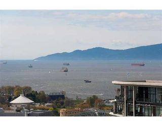 """Photo 2: # 4102 1408 STRATHMORE MEWS in Vancouver: False Creek North Condo for sale in """"west One"""" ()  : MLS®# V886987"""
